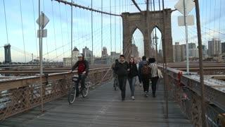 Travelling shot on Brooklyn Bridge