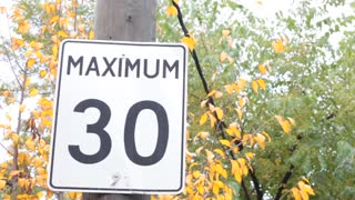Maximum 30 km mph sign