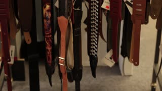 Tilt up multiple guitar straps