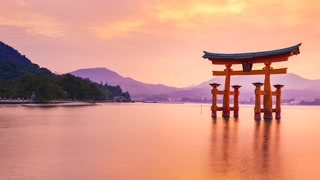 Sunset Time-lapse of the Famous Shinto Gate of Miyajima