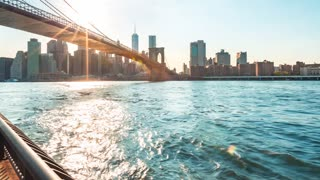 Time-lapse of boats crossing under the Brooklyn Bridge