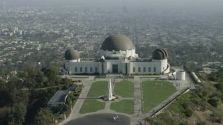 4K Aerial Flying Around Griffith Observatory