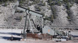 An oil rig pumping oil