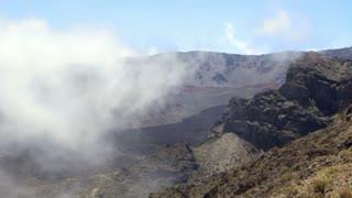 Cloud covers mountain