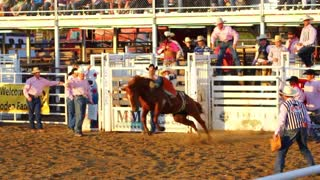 Cowboy rides 8 seconds at rodeo