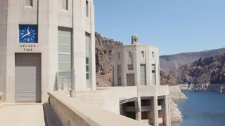 People on the Hoover dam in Nevada
