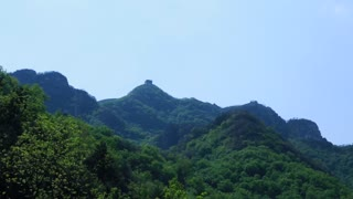 the great wall of china on the mountain