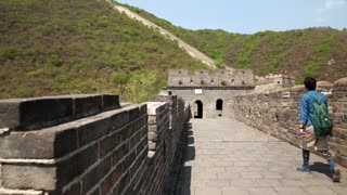 tourists on the incredible section of great wall of china beijing mutianyu