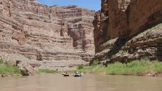 People Float Down The San Juan River In Amazing Southern Utah