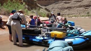 People Float The San Juan River In Amazing Southern Utah