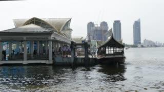 Central Pier Sathorn and River Chao Phraya, Bangkok, Thailand, Southeast Asia, Asia