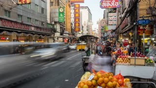 Traffic and food stalls in Chinatown, Bangkok, Thailand, South East Asia, Asia