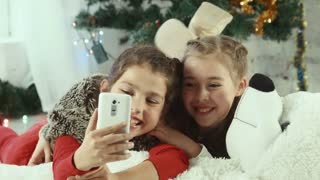 Christmas selfie of two girls