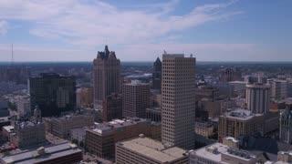 Aerial Wisconsin Milwaukie July 2017 Sunny Day 4K Inspire 2