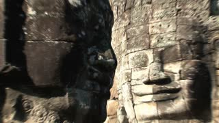 Angkor wat, Bayon, face zoom out