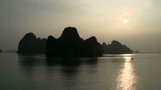 Morning sunrise Ha Long Bay