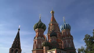 Saint Basil's Cathedral tilt down on a sunny day