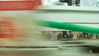Offset printing press working at high speed