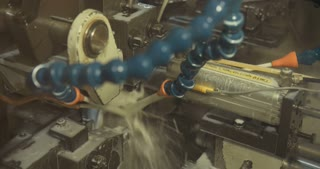 Automatic Machine processing metal parts