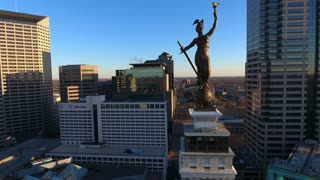 Orbiting Beautiful Statue Of Indianapolis Monument At Sunrise