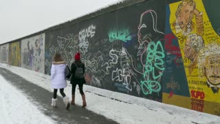 16 Berlin Wall German City Germany Landmark In Winter Snow
