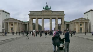 9 Berlin German City Germany Brandenburg Gate Tourists People Monument