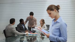 9of20 Team of business people working in office meeting room