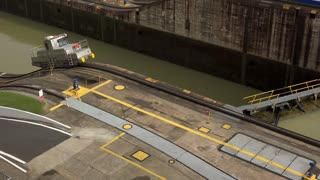 Cargo And Logistics Panama Canal Miraflores Locks-11