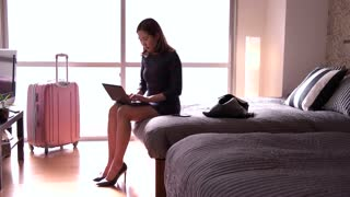 Chinese Businesswoman Woman Working With Computer Hotel Room Business Travel