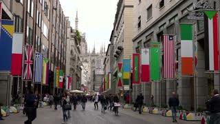 Corso Vittorio Emanuele Street Avenue Boulevard People City Milan Italy