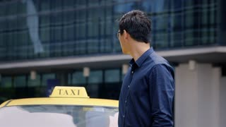 Portrait of happy asian taxi driver smiling, car, cab