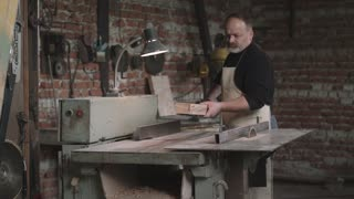 Carpenter Cutting Wood By Electric Saw 4k