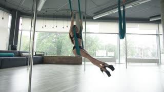 Young Beautiful Girl Training Sensual Pole Dance 4K