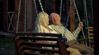 Couple kansas swinging