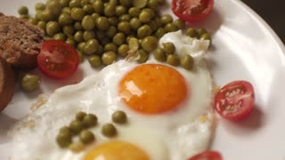 breakfast, scrambled eggs and vegetable salad