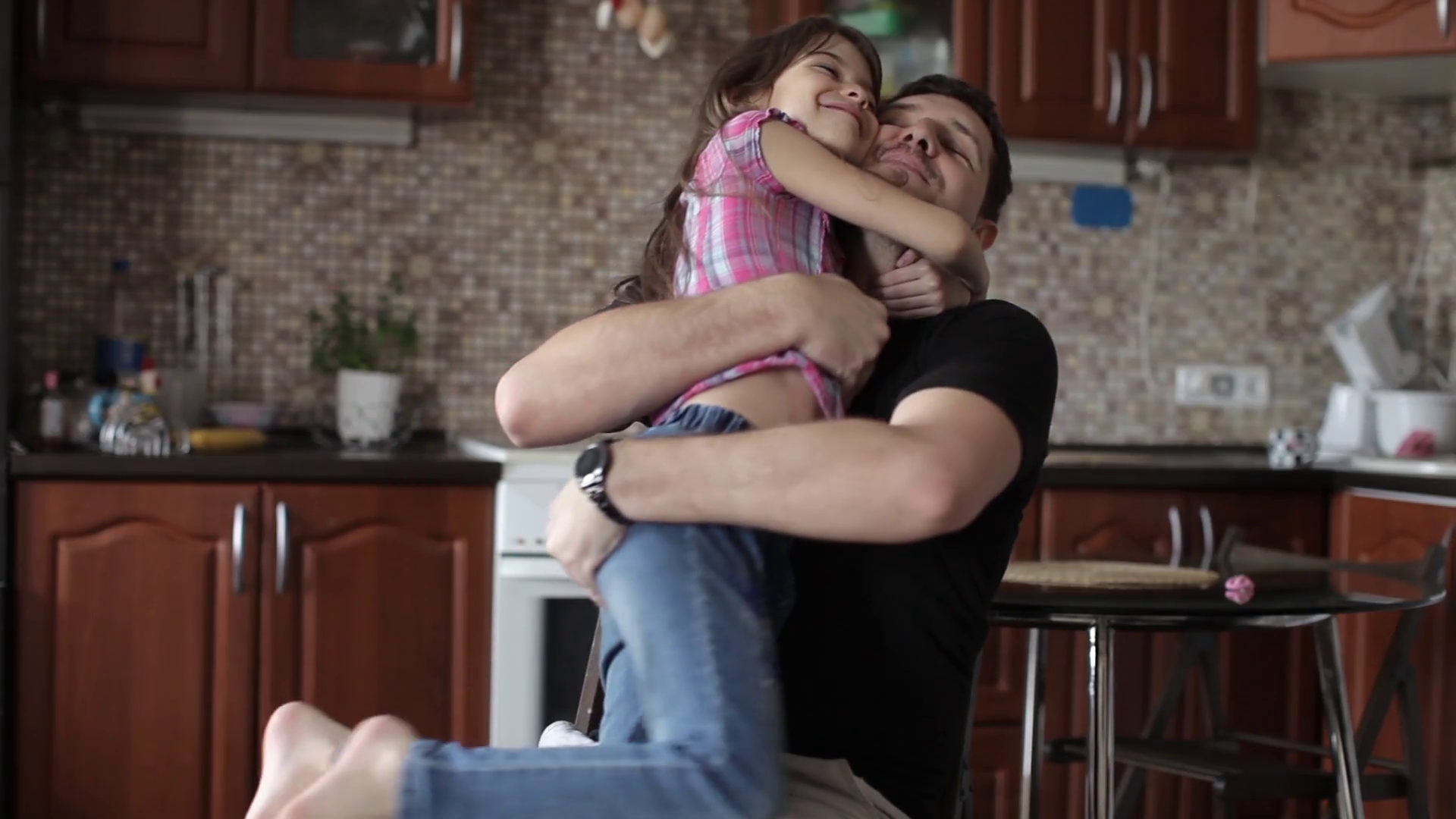 Dad Hugs His daughter(娘), Family, Love Stock Video Footage - Storyblocks