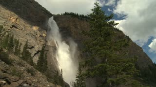 Wide shot of Takkakaw Falls in Yoho National Park, British Columbia, Canada 2