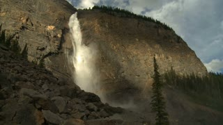 Wide shot of Takkakaw Falls in Yoho National Park, British Columbia, Canada 3