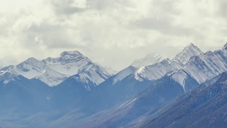 4K Timelapse Sequence of Banff, Canada - The Mountains in Banff