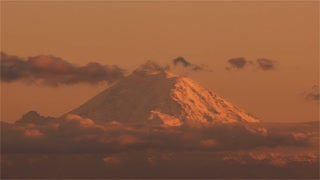 4K Timelapse Sequence of Seattle, USA - The Mount Rainier at Sunset
