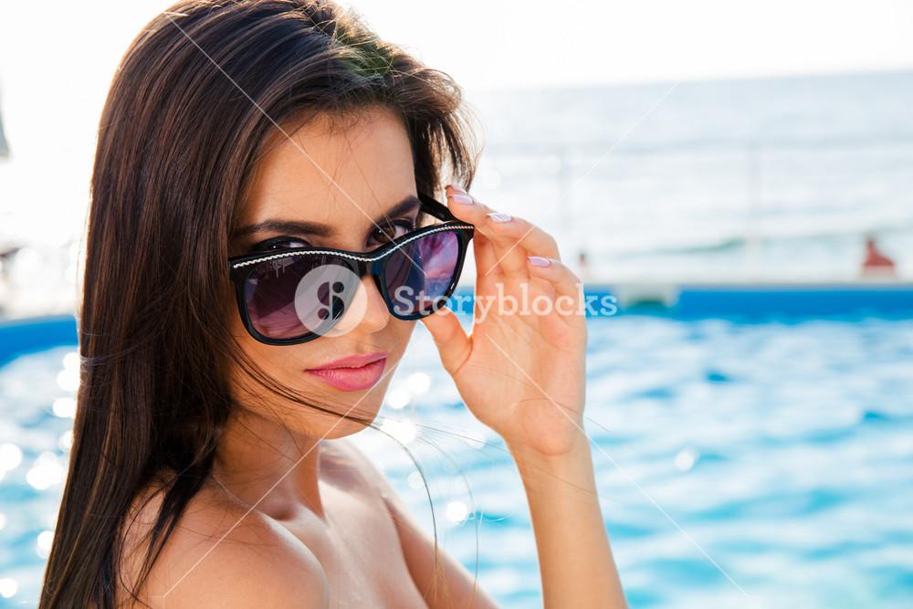 Portrait of a beautiful girl in sunglasses