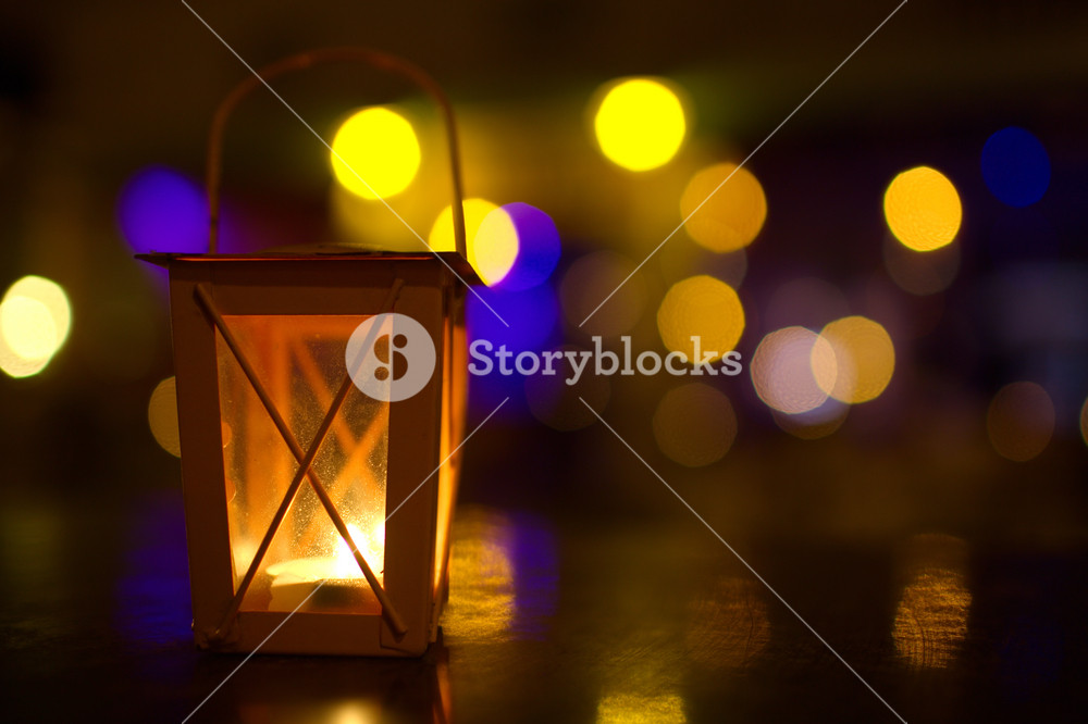 Outdoor lantern with dim light