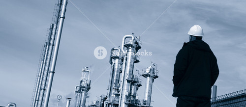 chemical engineer and oil and gas refinery