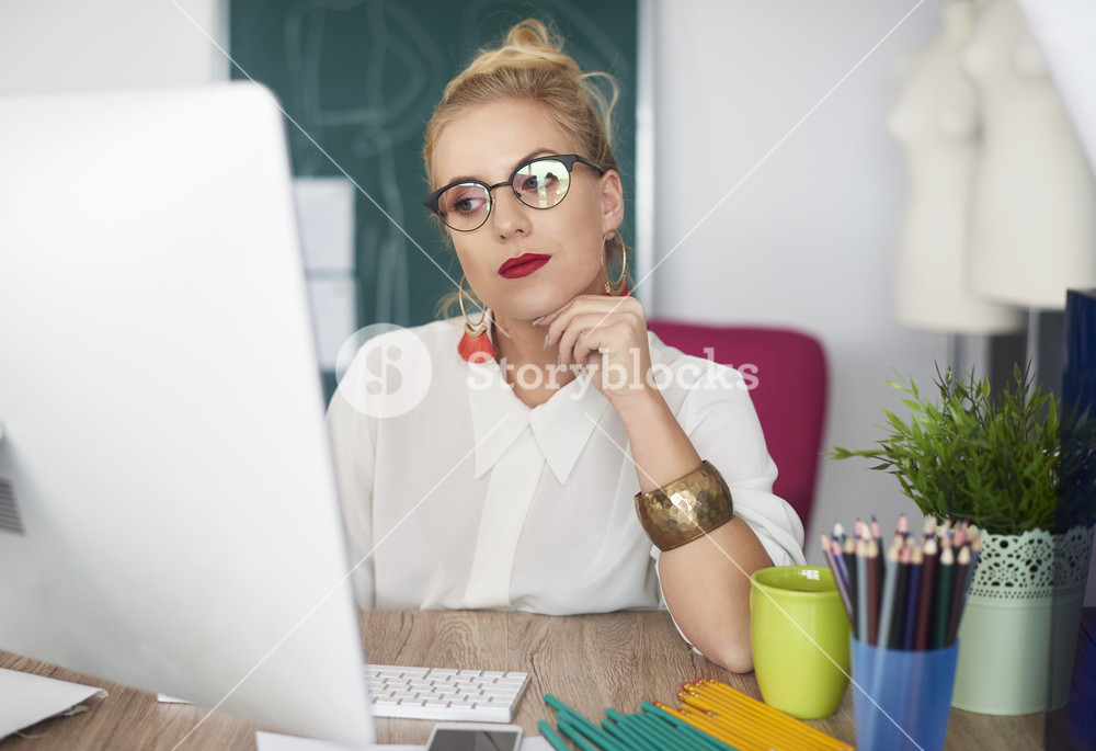 Tranquil scene of absent busy woman