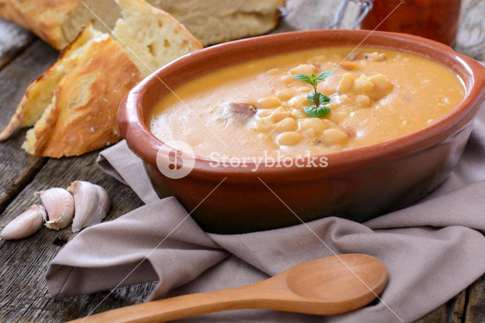 Tasty Bean Soup